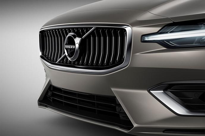 990539897_H5u9TsFJ_223541_New_Volvo_V60_exterior.jpg
