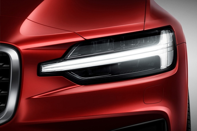 990539897_ImK0novu_230901_New_Volvo_S60_R-Design_exterior.jpg