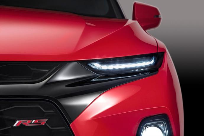 990539897_PyqkOmC0_2019-Chevrolet-Blazer-009.jpg
