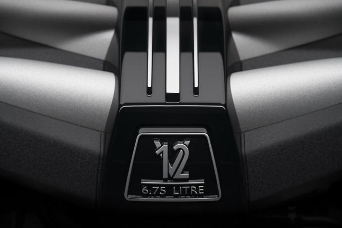 990539897_RQWXVADe_Rolls-Royce-Cullinan-31.jpg