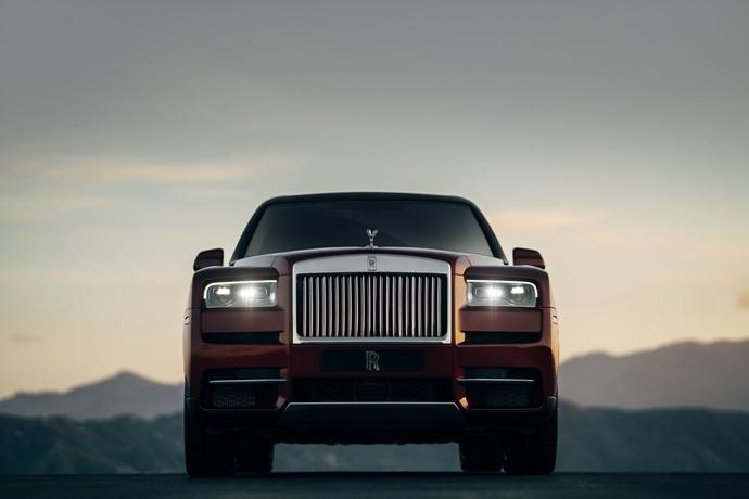 990539897_Xhnaq9LI_Rolls-Royce-Cullinan-30.jpg