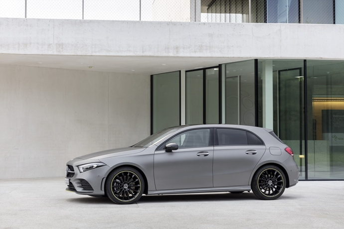 990539897_YcToURGN_2019-Mercedes-Benz-A-Class-Hatch-33.jpg