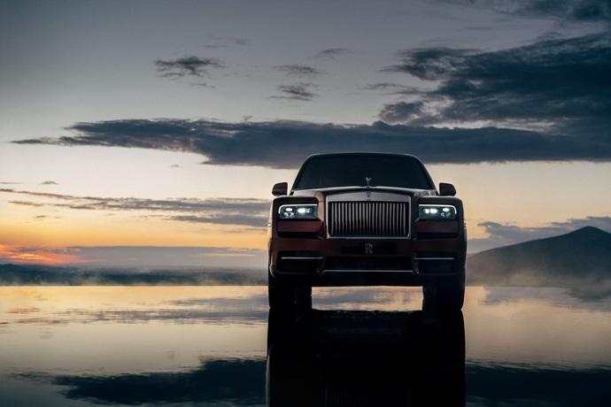 990539897_bi21tTl9_Rolls-Royce-Cullinan-32.jpg