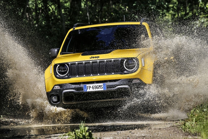 990539897_cgZwaOQ0_180620_Jeep_New-Renegade-MY19-Trailhawk_15.jpg