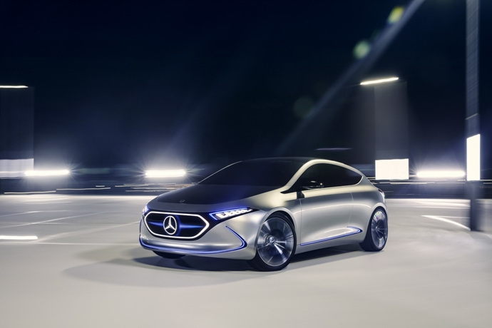 990539897_d4jbO9p3_mercedes-eqa-concept-unveiled-7.jpg