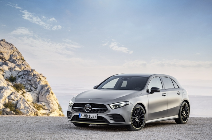 990539897_gqJW6Cda_2019-Mercedes-Benz-A-Class-Hatch-43.jpg