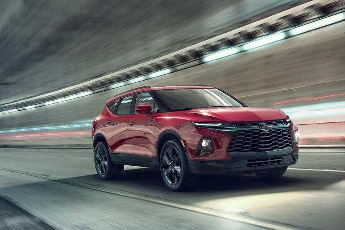 990539897_ua5UfyBb_2019-Chevrolet-Blazer-002.jpg